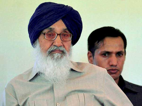 Punjab: Congress workers bid to 'gherao' CM Parkash Singh Badal foiled.
