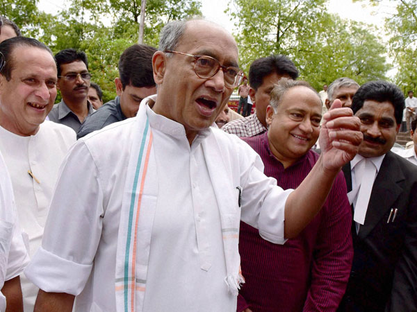 Is RSS next on radar, asks Digvijay