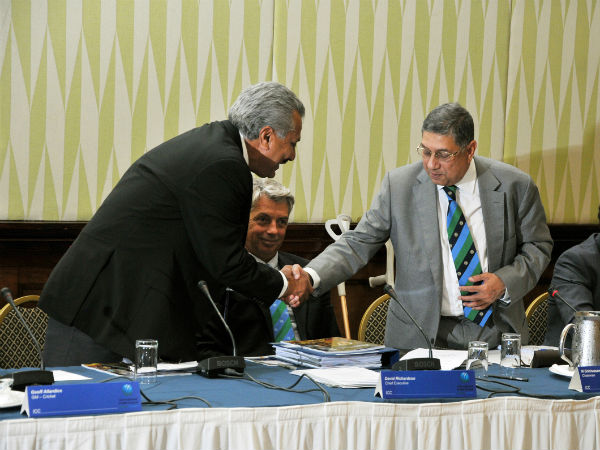 Zaheer Abbas is congratulated by ICC Chairman N Srinivasan (right)