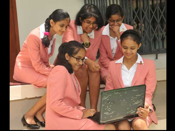 Bengaluru school girls who developed mobile app