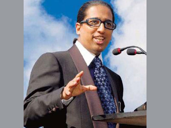 IIPM not shutting down, only changing model: Arindam Chaudhuri.