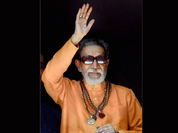Swamy demands stamp on Thackeray