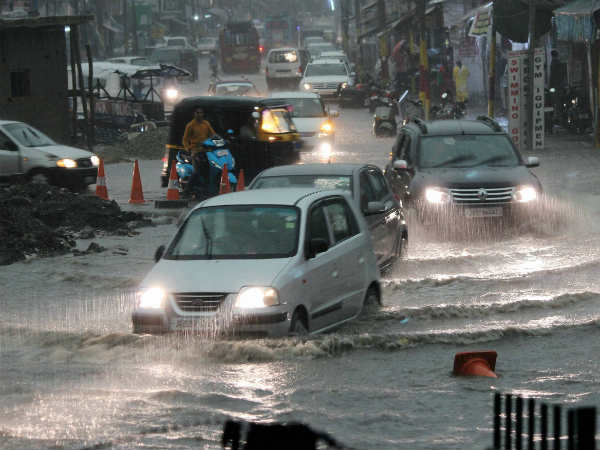 Rains cause traffic jam in Delhi-NCR