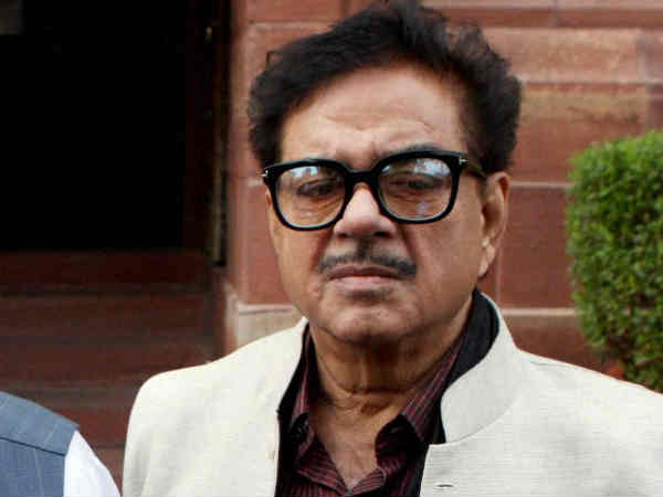 Shatrughan Sinha pitches for Advani