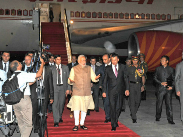 PM Modi at Dushanbe International airport