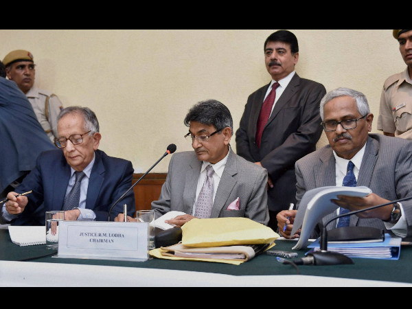Justice RM Lodha (centre), Chairman of the Supreme Court appointed Justice Lodha Committee, with member Justice Ashok Bhan (left) and Justice RV Raveendran at the announcement of their verdict on Indian Premier League (IPL) fixing, in New Delhi on Tuesday