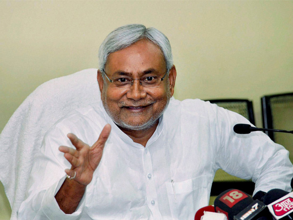 Nitish supports AAP govt over statehood