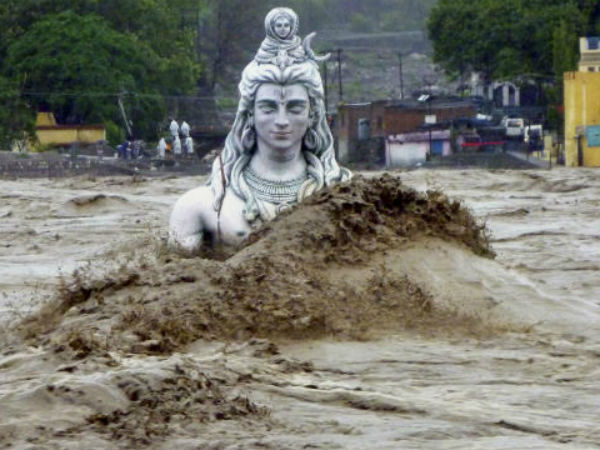 Natural calamities took 2 lives every hour in India in 2014.