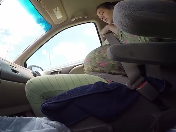Pregnant woman gives birth in a moving car