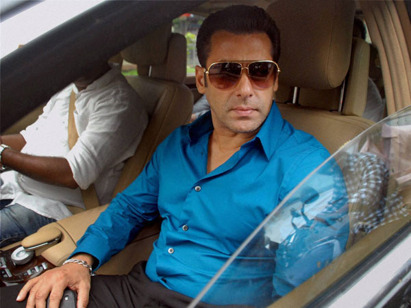 Tight security outside Salman's house