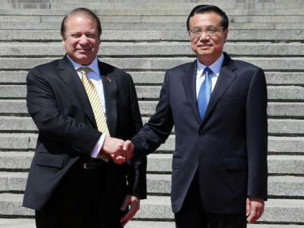 Pak, China sign $2 bn agreements