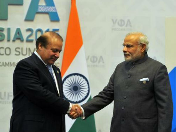Pak PM greets Modi on I-Day celebrations