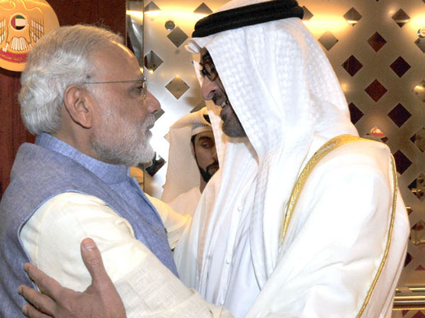 PM Modi being received by Crown Prince of Abu Dhabi