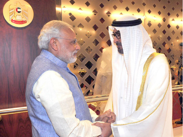 Prime Minister Narendra Modi being received by Crown Prince of Abu Dhabi
