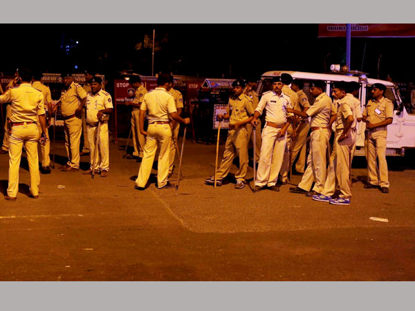 Curfew imposed in many parts in Gujarat