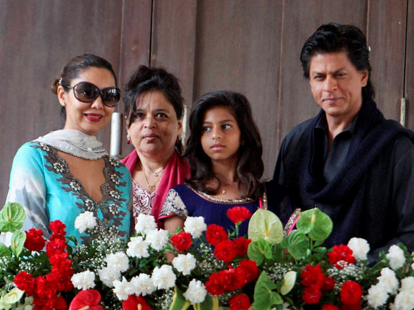 Shahrukh Khan with wife Gauri and daughter Suhana