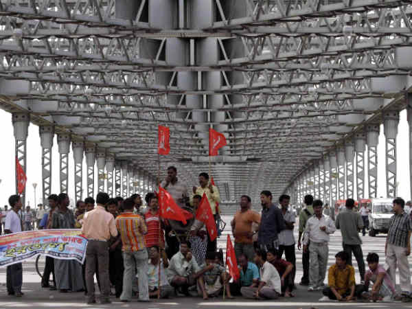 Strike cripples normal life in MP