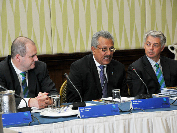 Zaheer Abbas (centre) wants India-Pakistan series to resume