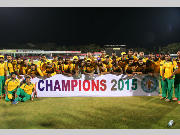 Bijapur Bulls pose with the trophy after winning KPL in 2015