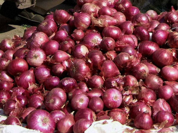 After selling 750 kg onions for Rs 1,064, farmer donates money in protest to PM relief fund