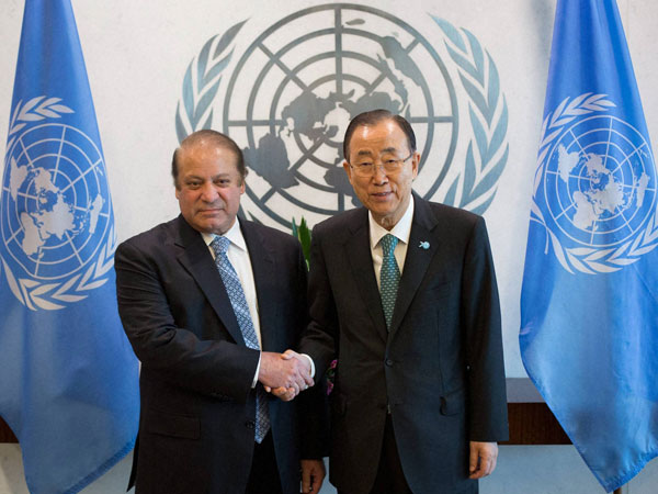 Prime Minister Muhammad Nawaz Sharif, left, poses with United Nations Secretary-General Ban Ki-moon at the United Nations headquarters.