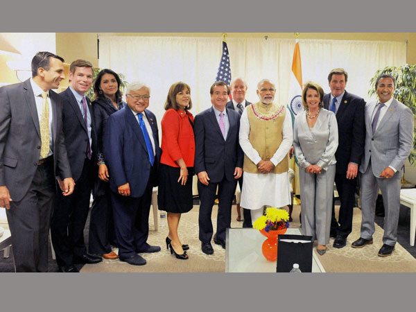 Prime Minister Narendra Modi meeting with the elected lawmakers at the SAP Centre in San Jose, California.