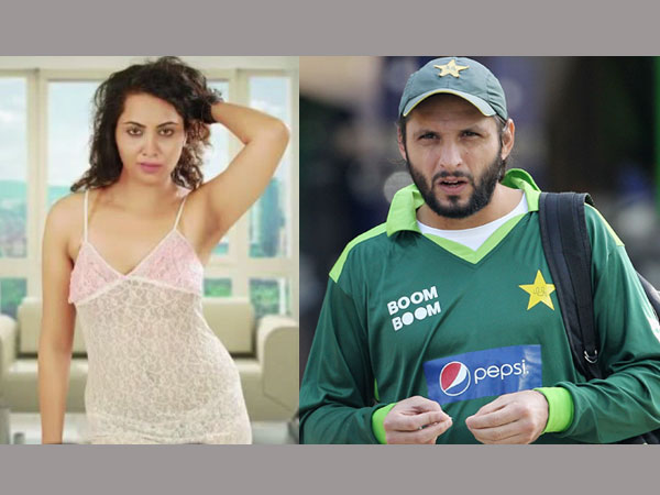 Model-turned-actress Arshi Khan and Shahid Afridi