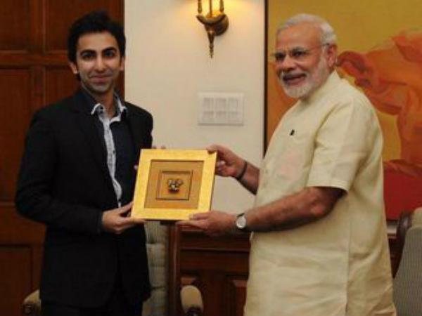 Pankaj (left) tweeted this picture of him with PM Modi