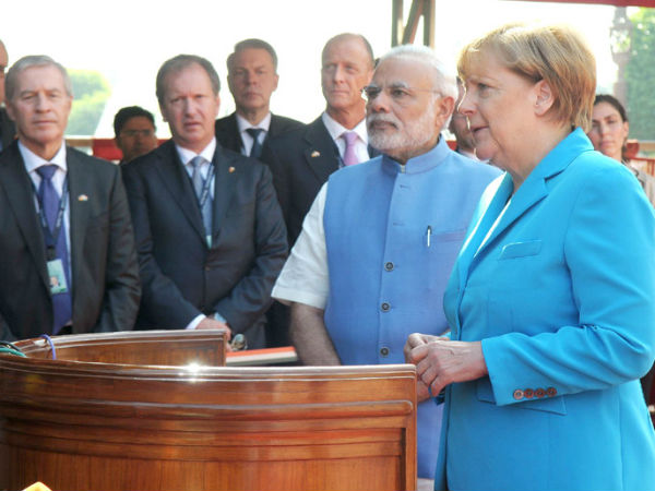 Modi, Merkel at Ceremonial Reception at Rashtrapati Bhavan