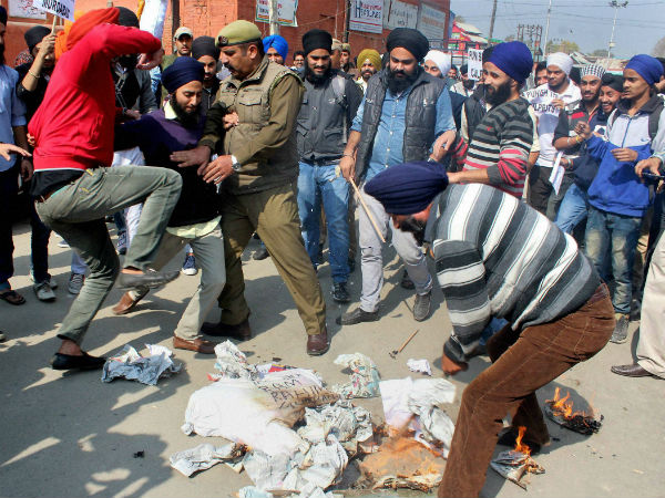 Punjab: Sikhs protests continue
