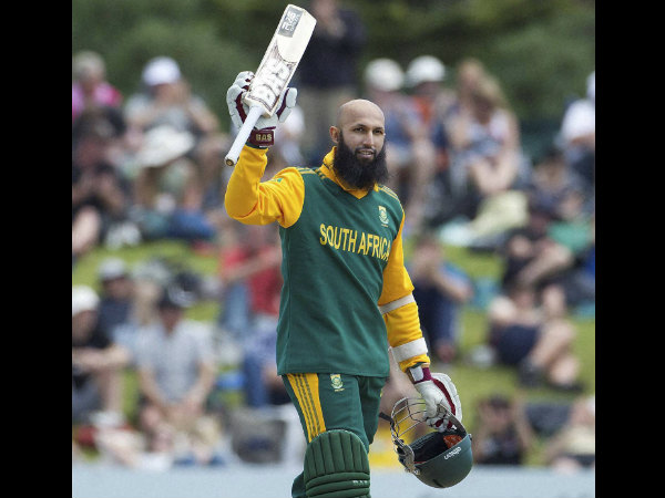 Amla becomes fastest to enter 6000 club