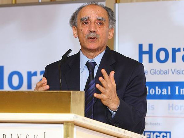 Arun Shourie attacks Modi govt