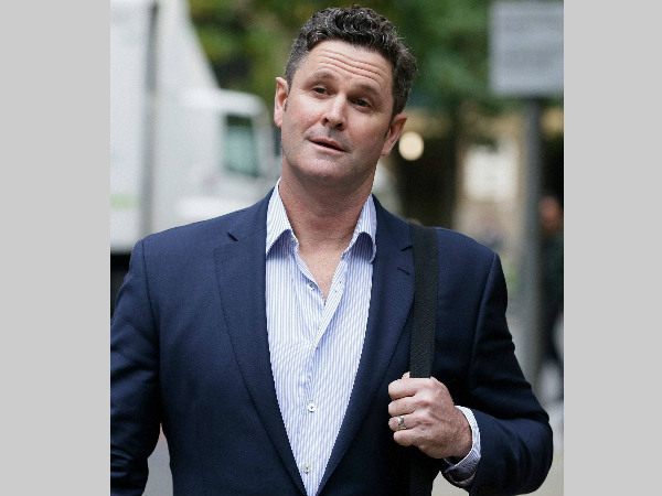 Chris Cairns arrives at Southwark Crown Court to stand trial for perjury in London, on October 12, 2015