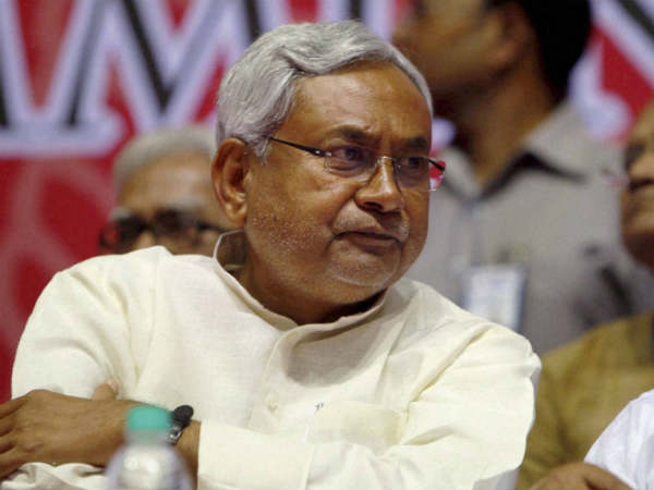 Congratulations pour in for Nitish Kumar