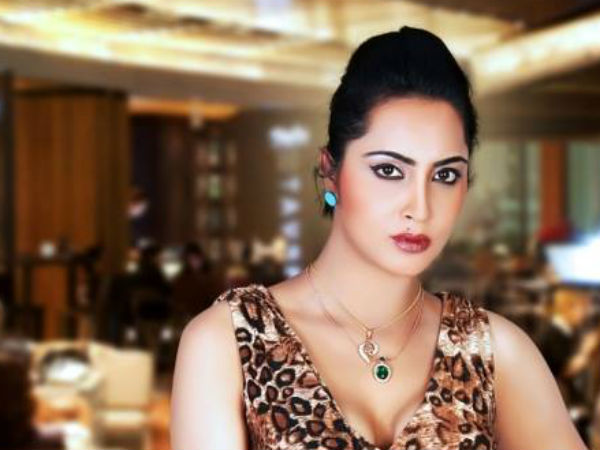 after fatwa for sex with afridi tweet model arshi khan