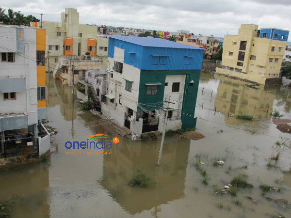 Rs 940 cr assistance for flood-hit TN