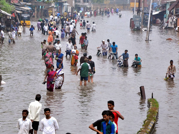 'Floods cause $3 bn loss in India'