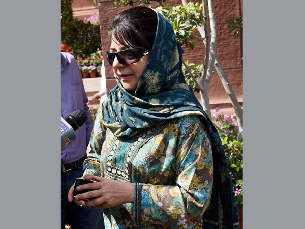 Not willing to become CM: Mehbooba