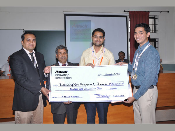 From left to right: Dr. Aman Sayed, general manager South Asia Alltech, and Dr. H. Shivanna, vice chancellor, UAS GKVK, felicitating winners of the Alltech Innovation Competition 2015 from the Institute of Rural Management Anand.