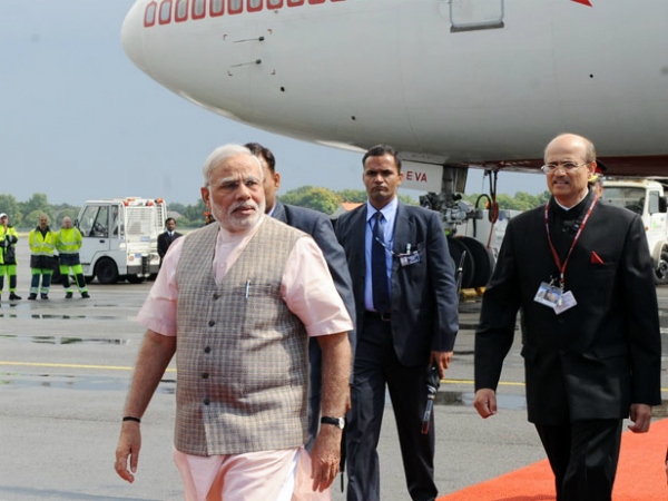 PM Modi lands in Lahore