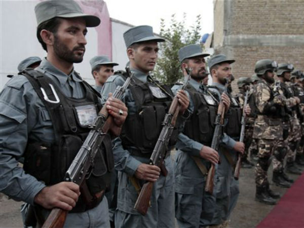 Afghan police refuse to fight Taliban