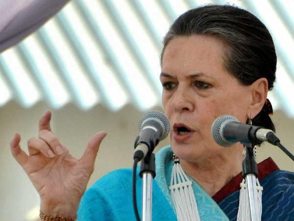 Sonia makes veiled attack on BJP