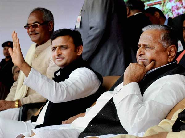 Is all well between Akhilesh-Mulayam?