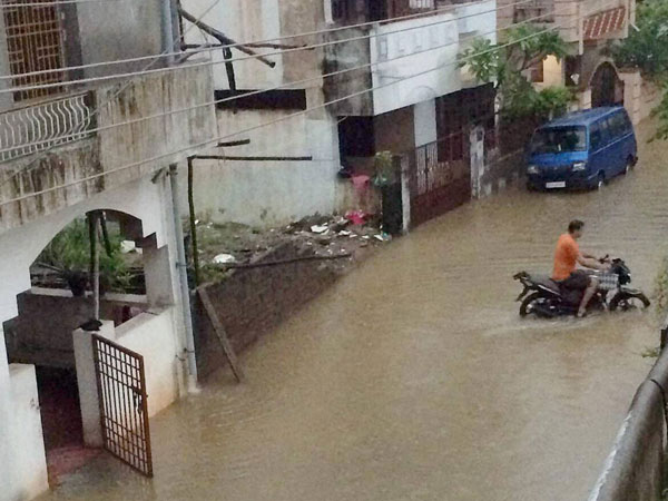 A view of a flooded street after heavy rains in Puducherry on Tuesday, Dec 1.