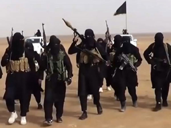 ISIS executes female journalist