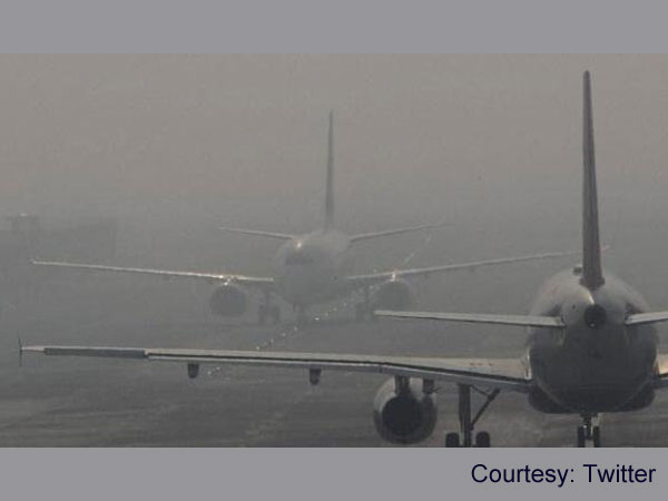 Fog at Delhi airport