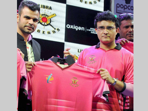 Sourav Ganguly (right) unveils Libra Legends jersey in Kolkata on Tuesday (January 12)