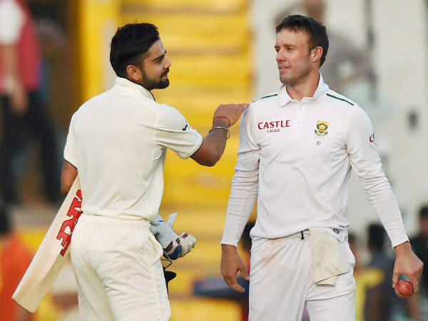File photo: Kohli (left) with De Villiers during a Test match