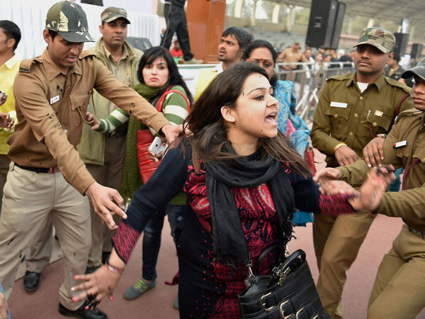 Woman who threw ink at Arvind Kejriwal sent to police custody.