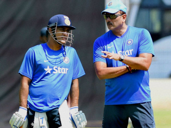 File photo: Ravi Shastri (right) with captain MS Dhoni